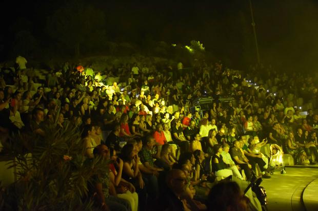 """El fantástico público del Cuervarrozk 2019 en el El Teatro Abierto del Castillo """"Jota Cassinello""""  Foto: Laforet"""